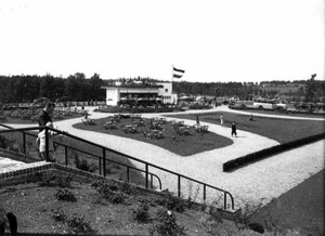 Theehuis de Goffert vanaf stadion